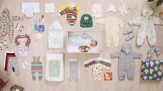 Los expertos en bienestar infantil dicen que el uso de cajas para dormir podría poner en riesgo la vida de los bebés