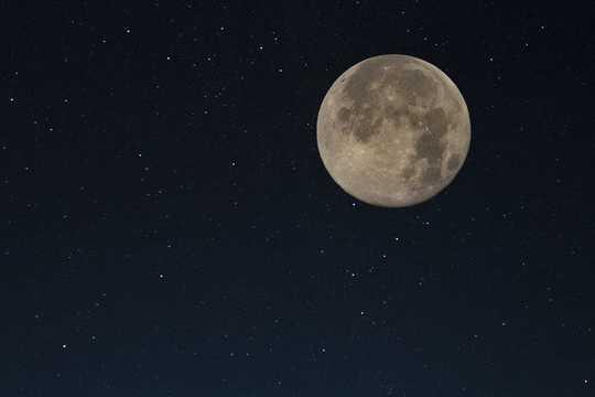 月についての5つの神話