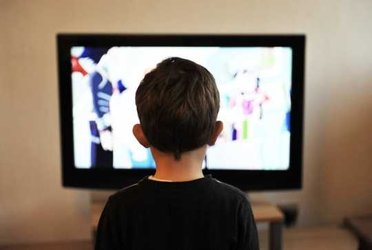 5 Tips For Dealing With Children's Screen Time During Social Distancing