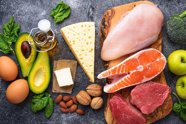 Non ci sono alimenti miracolosi o diete che possono prevenire o curare COVID-19