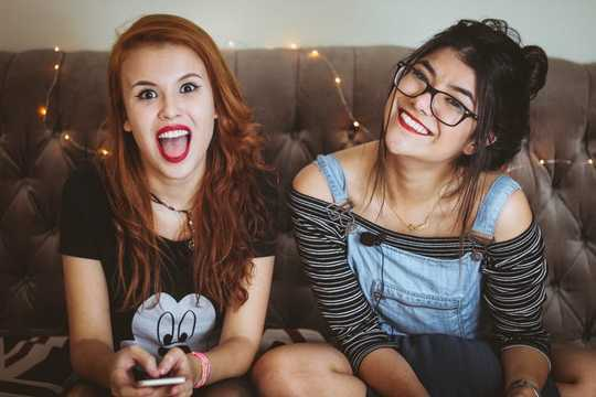 Valentine's Day: Gen Z Avoids Committed Relationships, Prefers Casual Hookups