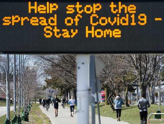 Häufig gestellte Fragen zu Coronavirus: Soll ich eine Maske tragen? Wie lange werden Schulen geschlossen sein? Kann ich COVID-19 zweimal bekommen?