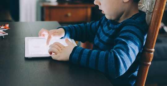 Çocukların Uyku Sorunları Geliştirmesinin 10 Nedeni Ve Ebeveynlerin Nasıl Yardım Edebileceği