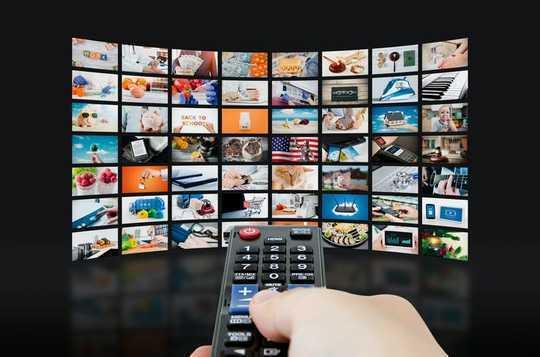 Guardare la TV in lingua straniera può aiutarti a imparare una nuova lingua