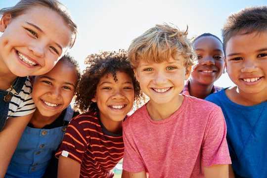 إليك 7 طرق لمساعدة الشباب على التنقل في عالم متغير