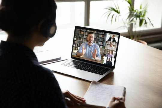 Пять способов онлайн-обучения в университете могут быть лучше, чем индивидуальное обучение