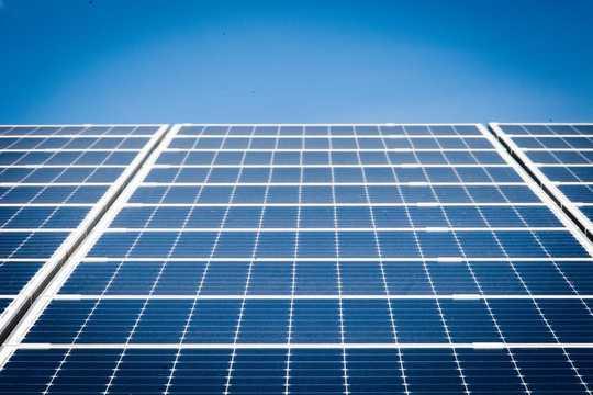 人们需要看到当地可再生能源项目的收益,这意味着工作