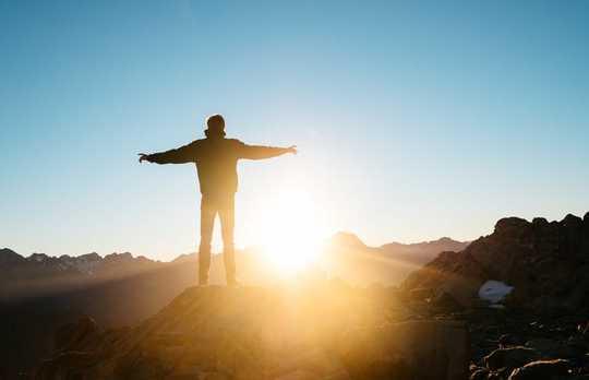 नीत्शे, निहिलिज्म और कारण हंसमुख होना