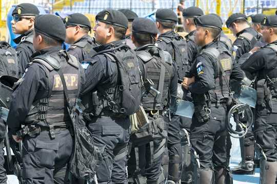 درسهایی از سه مکان که سعی در از بین بردن پلیس داشتند