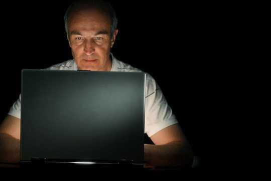 Adakah Anda Seorang Cyberloafer? Mengapa Internet Penangguhan Membuat Hidup Lebih Mudah Untuk Peretas
