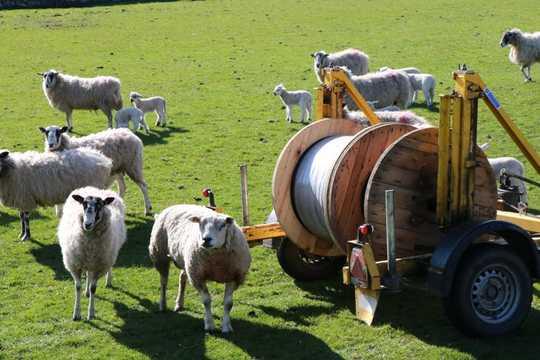 ब्रिटेन में सबसे तेज़ इंटरनेट नेटवर्क बनाने वाले सुदूर ब्रिटिश गांव
