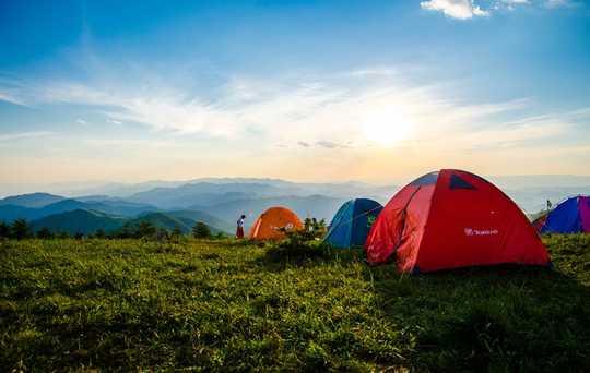為什麼去露營可能是鎖定假期的答案