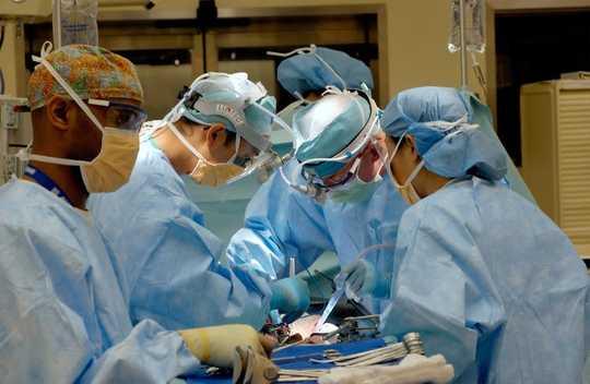 Mengapa Melatih Tubuh Anda Untuk Pembedahan Mungkin Meningkatkan Pemulihan Dan Mengurangkan Komplikasi