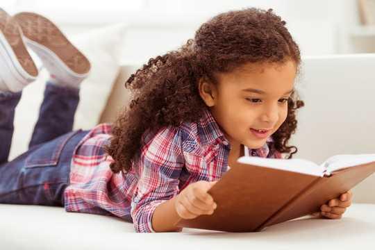 잠금 상태에서 젊은이들을 행복하게하는 5 권의 책