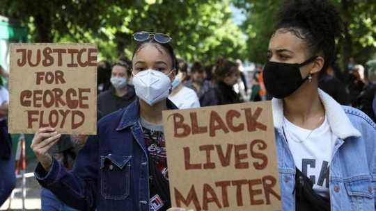 Protestos mostram como os EUA recuaram de sua posição como líder mundial