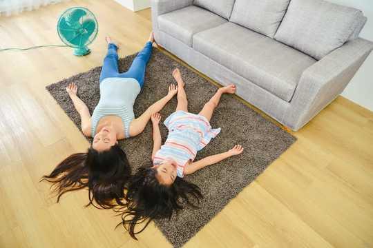 Barns sorg i Coronavirus karantän kan se ut som ilska. Så här kan föräldrar svara