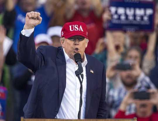 Panduan Lapangan Mengenai Retorik Berbahaya Trump