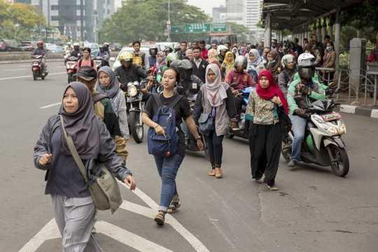 Ada Kesenjangan Upah Antar Geschlecht von Indonesien, Terutama Bagi Perempuan Di Bawah 30 Tahun