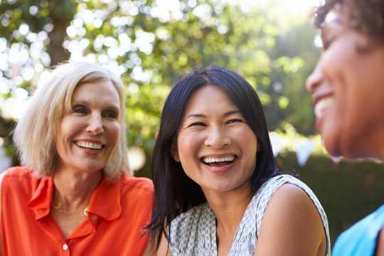 Waarom vroue gewig optel tydens menopouse