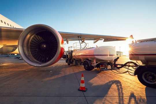 Mengapa Maskapai Penerbangan Jadi Tidak Populer Dengan Ekonom