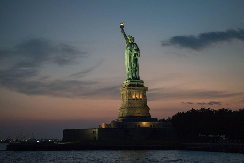 Hvilken ønsker du Amerika? Diktatur, oligarki eller demokrati