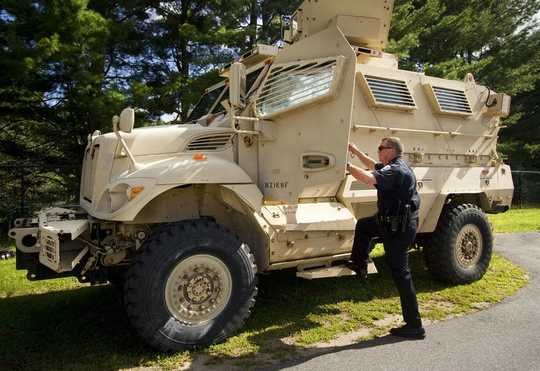 پلیس با تعداد زیادی دنده نظامی غیرنظامیان را بیشتر از مأمورین نظامی تر می کشد