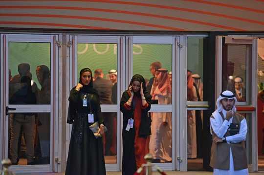 Wanita Di Negara-negara Arab Cari Diri Mereka Terputus Antara Peluang Dan Tradisi