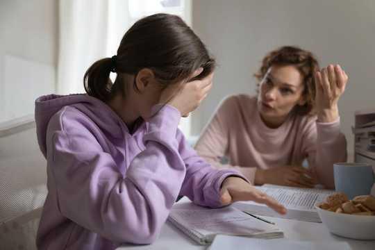 كيفية الحفاظ على الهدوء وإدارة تلك التوترات العائلية خلال تأمين