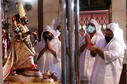 Indiens smittande gudinnor ger skydd i pandemin
