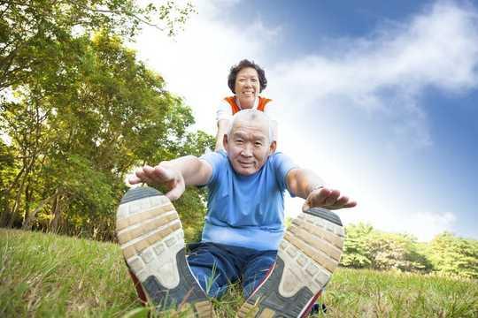Orang yang mempunyai keupayaan berfungsi lebih tinggi sebelum pembedahan mungkin mempunyai hasil pasca operasi yang lebih baik. (Unsplash / Yulissa Tagle)