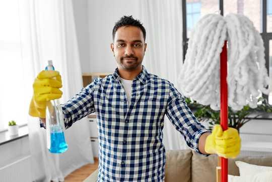 Huishoudelike skoonmaakprodukte kan die virus doodmaak - 'n kundige om te gebruik