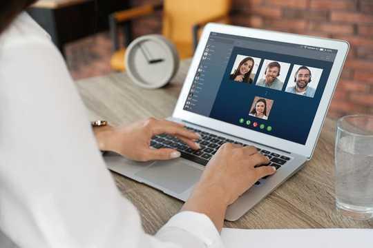 Kuinka suojata verkkoturvallisuutta ja yksityisyyttä kotona työskentelemällä