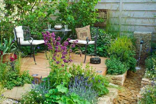 Hoe u uw huis en tuin rustiger kunt maken