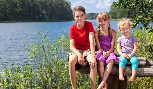 ¿Son los niños primogénitos líderes realmente naturales?