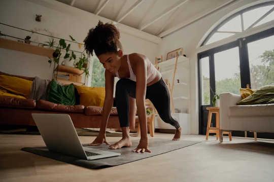 私たちの多くは私たちの運動レベルを過大評価しています–これがあなたが実際にどれだけやっているかを計算する方法です