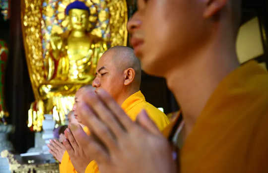 What Is Pure Land Buddhism? A Look At How East Asian Buddhists Chant and Strive For Buddhahood