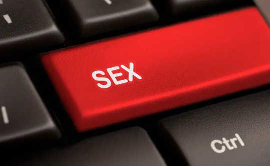 Selv sexparter har gått online for å overleve låsing