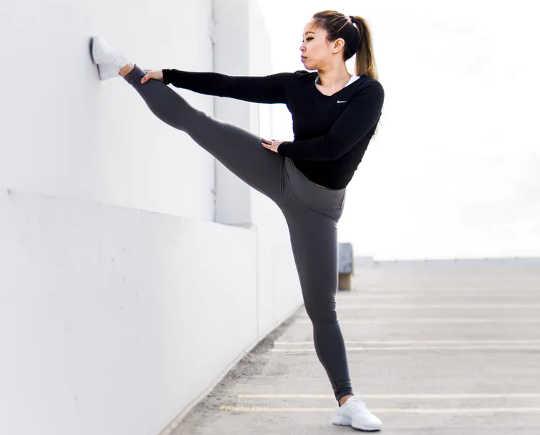 拉伸可增加运动范围。