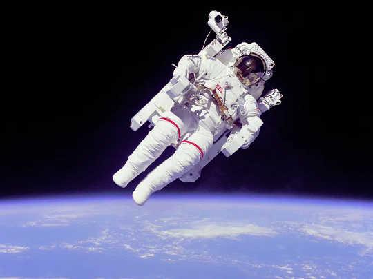 宇宙飛行士は孤立についてXNUMXつかXNUMXつのことを知っています。 (宇宙飛行士はここで孤立した専門家であり、彼らが私たちに教えることができるものです)