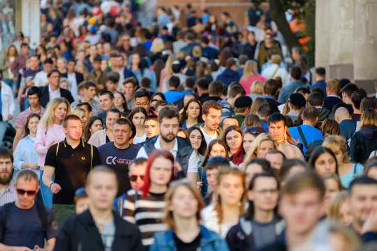 جمعیت انسانی قرار است تا سال 10 به 2050 میلیارد نفر برسد. (چرا چشم انداز آینده زمین از آنچه حتی دانشمندان می توانند بدتر باشند)