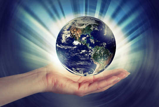 Bergerak Ke Persaudaraan Planetary: Kita Harus Mengatasinya
