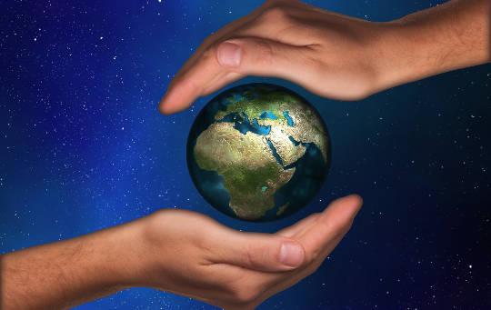 利益、力、そして進歩? または協力、コラボレーション、およびコミュニティ