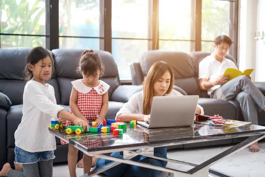 पाठ्यक्रम के साथ जुड़ाव प्रदर्शित करने के नए तरीके छात्रों को देखभाल करने वाली जिम्मेदारियों में मदद कर सकते हैं।