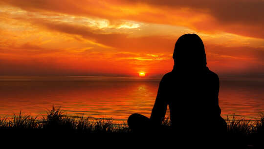 Grunderna i meditation och hur man mediterar