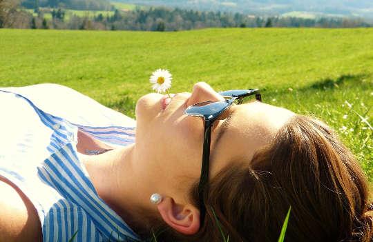 消除心理震顫:冥想的重要方面