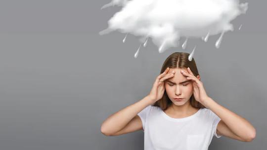 क्या खराब मौसम वास्तव में सिरदर्द का कारण बन सकता है?