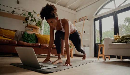 Lyhyet harjoitukset voivat myös olla helpompia pitää kiinni pitkällä aikavälillä.