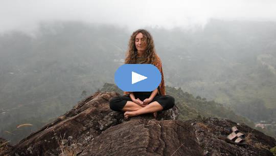 Die Auswirkungen der Meditation: Übergang von Schmerz zu Freude