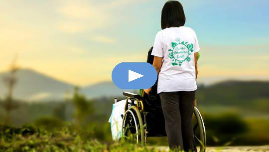 Chiếc xe lăn trống rỗng - Vật vã đau buồn sau khi mất con trai (Video)