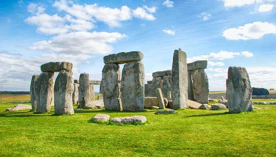 Osa 5,000 vuotta vanhasta Stonehenge-kivipiiristä tuotiin